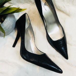 Worthington high heel . Snake print .